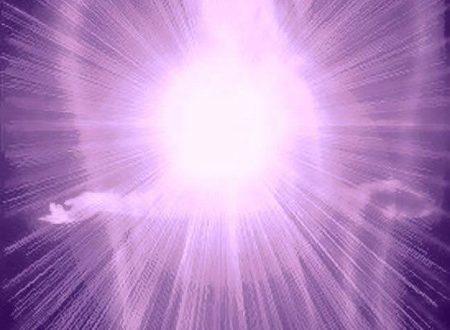 Invocazione alla fiamma viola per fortificare la vostra armatura spirituale di Ronna Herman